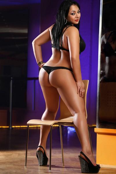 Mimmi - Heiße Bulgarin aus Schönefeld verlockt mit Striptease bei Hausbesuche