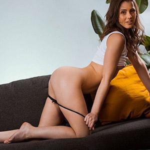 Simona magere Sie sucht Ihn mit Gesichtsbesamung für Sextreffen Berlin bestellen