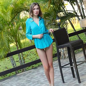 Gelija small flirt escort model with sex from behind is looking for adventure sex Berlin