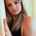 Alika - Lesbische Modelle aus Gelsenkirchen törnt mit Vibratorspiele bei Partnersuche