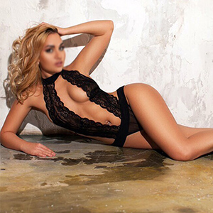 Alina - Attractive Private Models from Gelsenkirchen delighted with French when Looking for a Partner