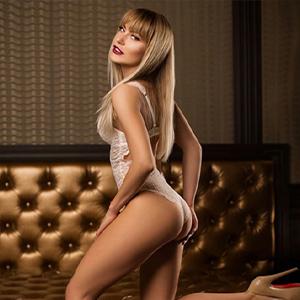 April - VIP Ladies aus Ungarn verführt mit Öl Massage bei Hotelbesuche