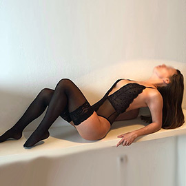 Ava - VIP Escort Ladie Hotel Visits & Private Rooms Berlin