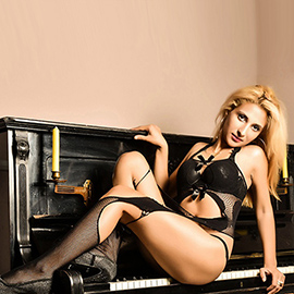 Aylin - Super Petite Hostess In Berlin Book For Sex To The Hostel