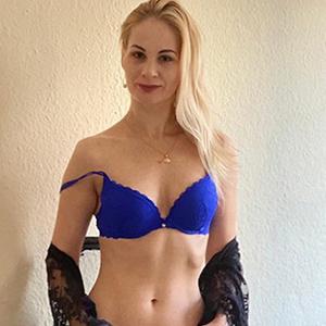 Bella - Petite Bonn 26 Years Nymphomaniac Sex Enchants You With Foot Eroticism