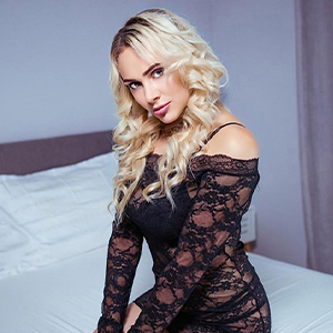 Fabiana - Erotic Whores from Berlin served with Pee when Looking for a Partner