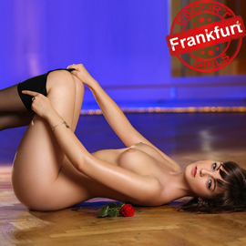 Jessie Teenage Girl Brings Men To The Top Of Frankfurt