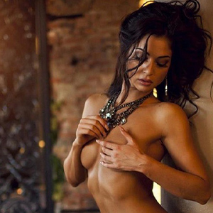 Luisa Stern - Brunette Hobby Models from Berlin offered with Change of Position when visiting Hotels