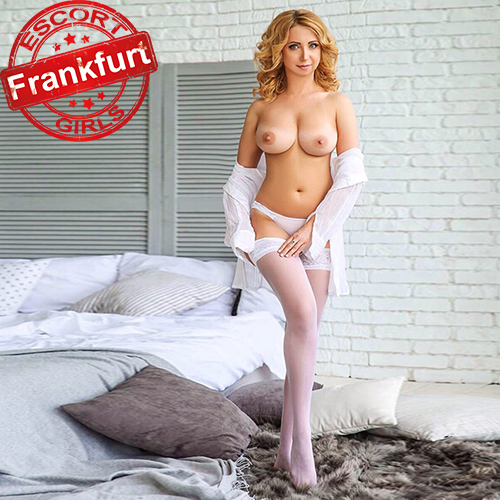 Marta - Reife Fußfetische Frau sucht Mann über Escort Frankfurt