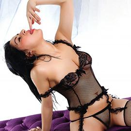 Nazli - Reisebegleitung in die Türkei mag Sex Erotik in Strapsen