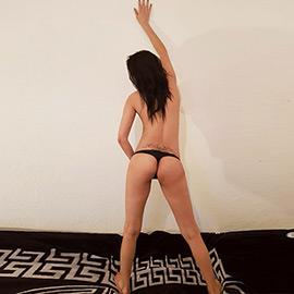 Nina - Sex Vermittlung mit Glamour Dame mit Stellungswechsel