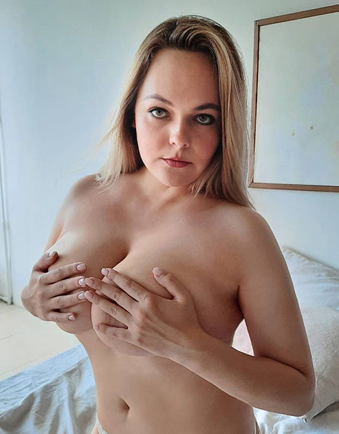 Rajssa - Ladies Berlin 85 D Sex Striptease