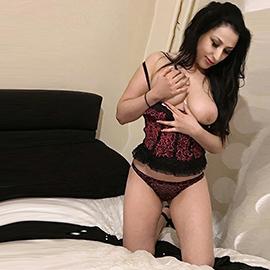 Raya - Bisexuelle Teens über Internet Sexanzeigen kennenlernen