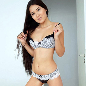 Ayaka - Hostesses Brandenburg 75 A Facesitting Body Insemination