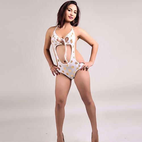 Susi - 18 Years VIP Escort Model Berlin Makes Hot Striptease
