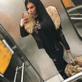 Suzan - Vollblut Escortmodel jung versaut mag intime Striptease-Show