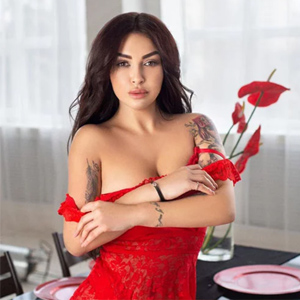 Suzzana - Hot Hostesses from Frankfurt spoiled with hot Kisses with tongue on Appointment
